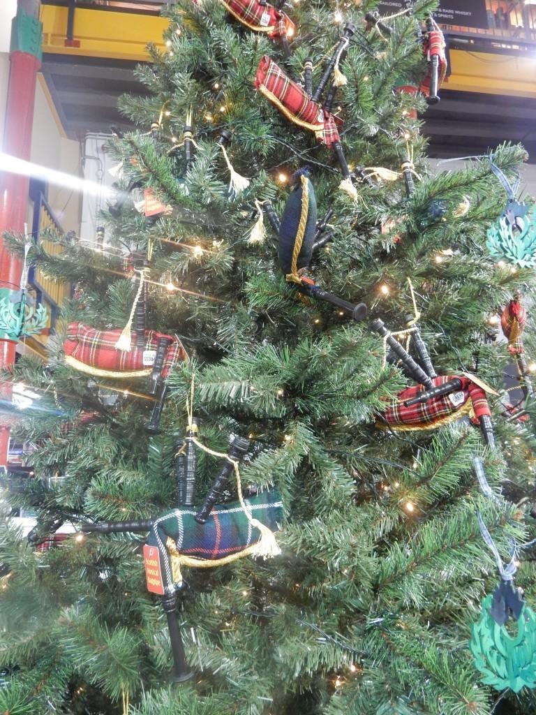 Kerstboom met Schotse doedelzakken - Chez Bo