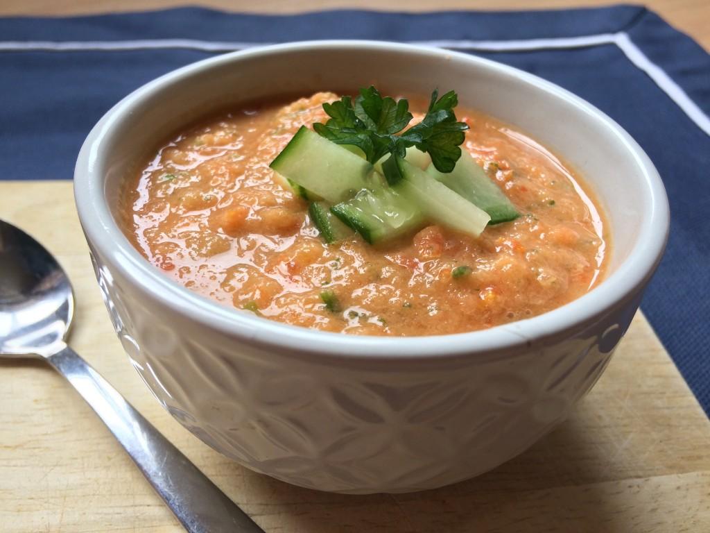 Gazpacho van paprika, komkommer en tomaat - www.zo-ofzo.nl